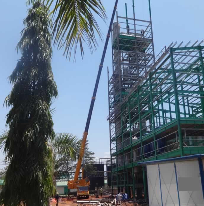 A 200 ton Mobile Crane